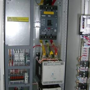 Шкафы управления вибродиагностики и токораспределения estl  estl control l конфигурируемые шкафы управления насосами для водоотведения
